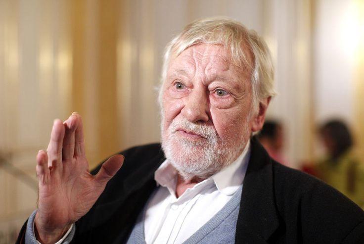 Dietmar Schönherr auf Ibiza gestorben - Der Schauspieler und Moderator Dietmar Schönherr ist nach Angaben seiner Hilfsorganisation Pan y Arte im Alter von 88 Jahren auf Ibiza gestorben. Mehr dazu hier: http://www.nachrichten.at/nachrichten/kultur/Dietmar-Schoenherr-auf-Ibiza-gestorben;art16,1445840 (Bild: apa)