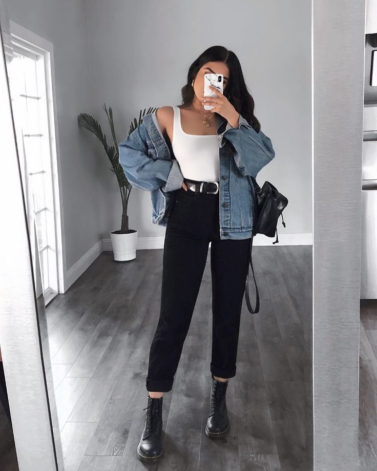 Yay or nay? Outfit from LASULA 🦋🍉 Boyfriend Jeans + bodysuit = best combo!…