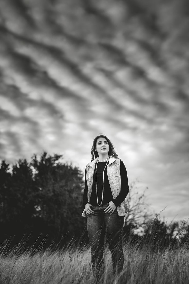 Clouds | senior, senior pictures, senior photos, senior pose ideas, model, sky, cloudy, overcast , black and white, Declaring His Glory photography , country, Texas photographer