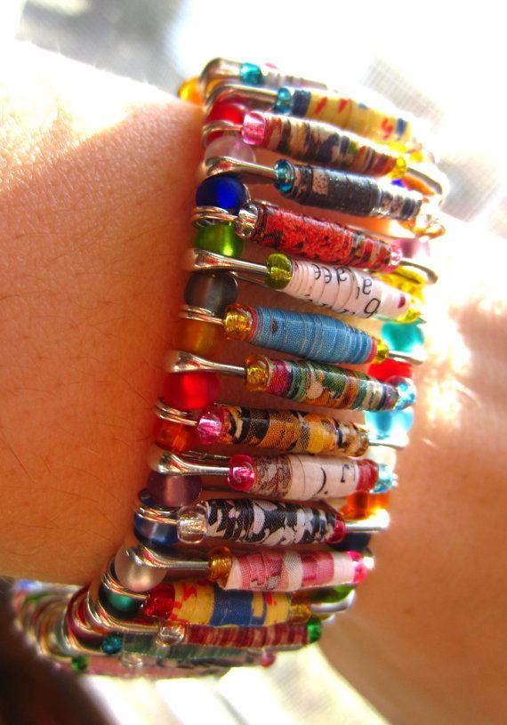 diy+beaded+saftey+pins | Paper bead safety pin bracelet | DIY and Upcycling