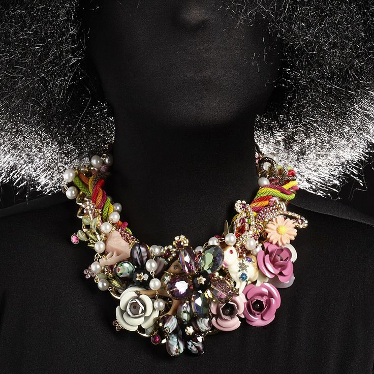 Have you seen the roses? There's a whole lot of colours, S. Barrett Charm-Galaxy Collection @nightmarket.it #010 wild roses #necklace #fashion #jewellery #accessories #music