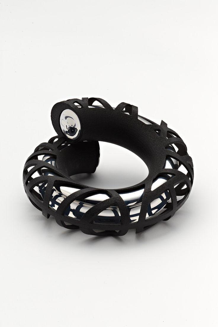 Lousje Skala 'link-bracelet'  http://www.designermelbourne.com.au/