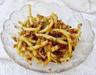 W Mojej Kuchni Lubię..: fasolka szparagowa z a`la pesto do podjadania...
