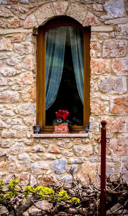 Arachova, Boeotia, Greece ...... ~~~~. Quando a tristeza te abater e sentires…