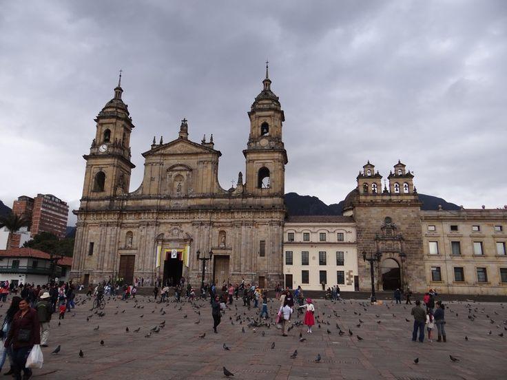 Bogota, the surprising capital of Colombia. Read more: http://www.imperatortravel.ro/2016/03/destinatii-latino-americane-air-france-bogota-el-dorado-ul-din-munti.html