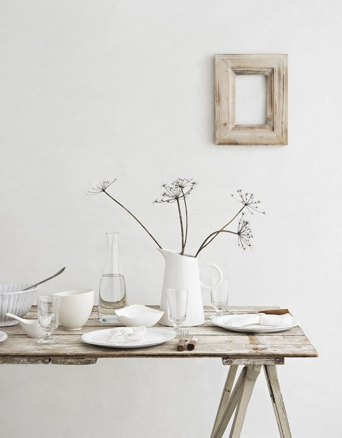 simple setting#Repin By:Pinterest++ for iPad#Decor, Dining Room, Tables Sets, Home Interiors, Design Interiors, Rustic Tables, White Interiors, Modern House, Design Home