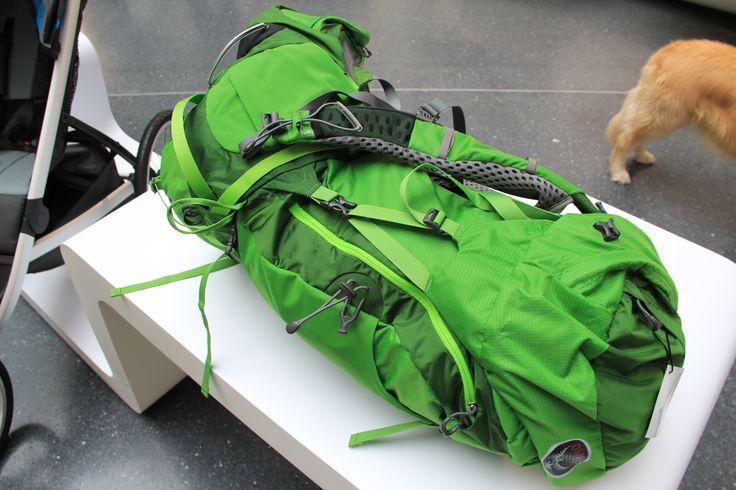 Osprey rugzak, gouden award winnaar!  - Osprey, de Atmos AG 65 -  De nieuwe Atmos AG 65 heeft een uniek AntiGravity™ rugsysteem en een volledig ventilerende heupband. Zelfs bij zware bepakking blijft de rugzak optimaal ventileren.  #bergen #outdoor #alpen #buitensport #uitrusting #wandelen #bergwandelen #outdoor2014