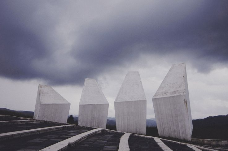 A tribute to an abandoned war memorial