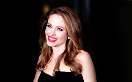 beautiful wallpapers of angelina jolie