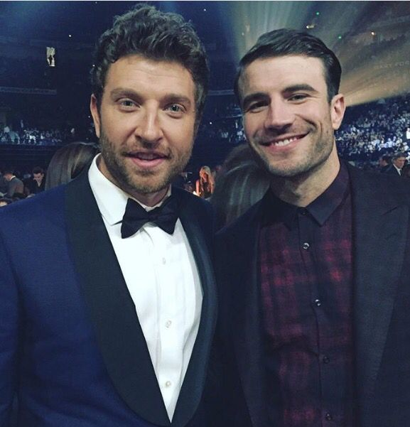 Brett Eldredge and Sam Hunt - favorite country artists in one picture ❤️