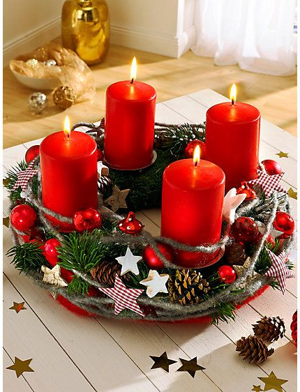 oldschool Adventwreath btw they have just 4 candles! like the german nursery…