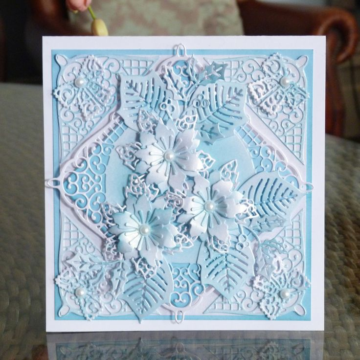 Studley (D402), Lavish Poinsettia (D452), Christmas Florals Holly (D437), Chantilly Bow (D172) www.tatteredlace.co.uk