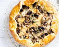 Tarte aux feuilles de brick, poulet, fromage et champignons
