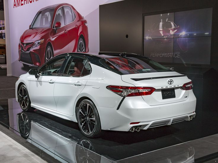 2018 Toyota Camry: New take on an old standby - Kelley Blue Book