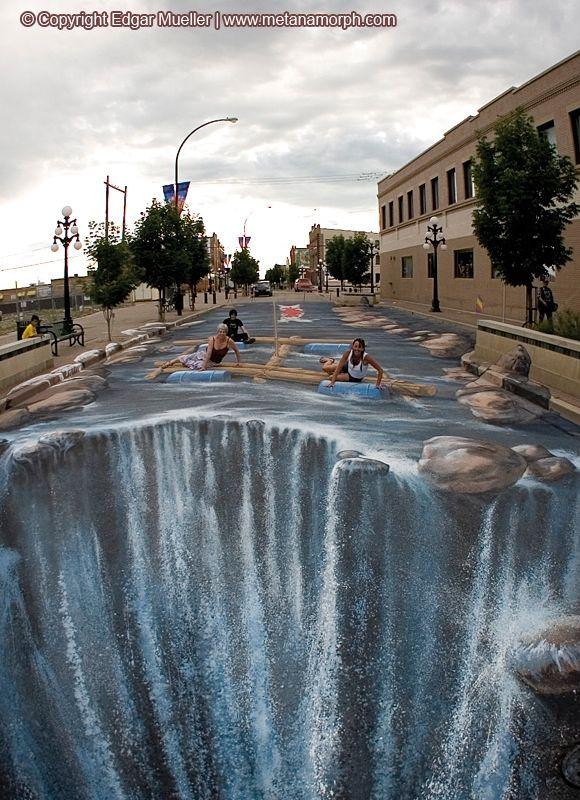 Edgar Mueller is an artist that creates way more than your ordinary sidewalk art.