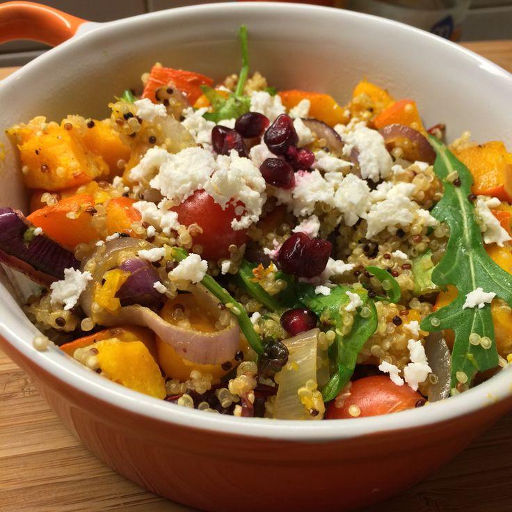 Deze quinoa salade met pompoen én zoete aardappel is gezond, voedzaam, snel te bereiden en erg lekker! Waar wacht je nog op?