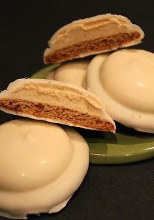 Pumpkin Pie Mallomars...homemade graham cracker rounds topped with ...