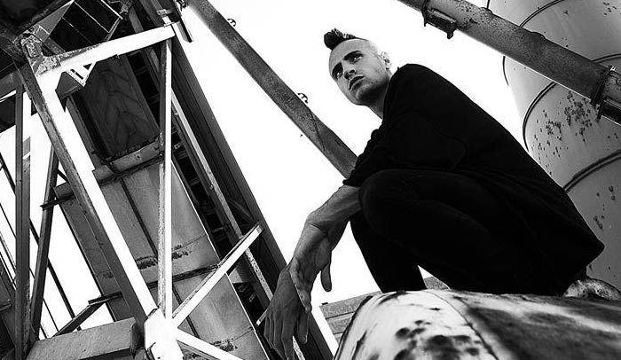Abbiamo intervistato Mostro in occasione dell'uscita diThe Illest Vol.1, fuori dal15 Giugno 2015 su Honiro.it. The Illest Vol.1: raccontaci la genesi dell'album,