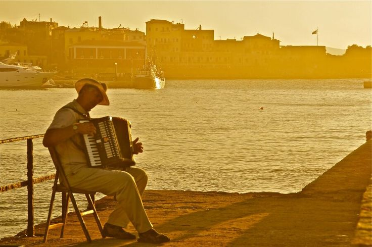 #Chania accordeon player