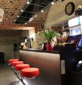 Negatyw Club  jest jednym z najbardziej wyjątkowych lokali na krakowskim Kazimierzu.