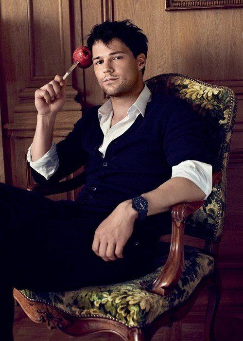 Danila-danila-kozlovsky-Dimitri:::: I want to cuddle him so hard!