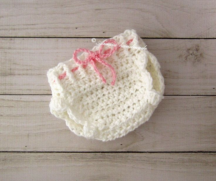 Newborn diaper cover, Baby girl crochet diaper cover, Avalible sizes: Newborn to 12 months, Great for everyday use or for a baby photo prop by Amaiahandmade on Etsy