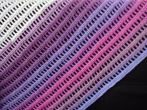Trojcípý šátek fialový
