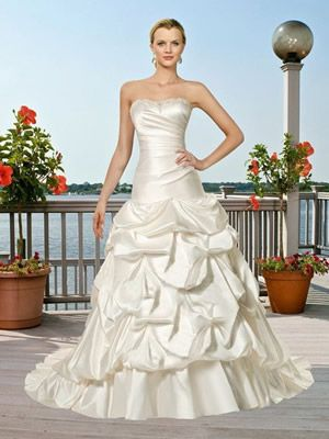 15 best strand brautkleider images on pinterest short wedding gowns wedding frocks and beachy. Black Bedroom Furniture Sets. Home Design Ideas