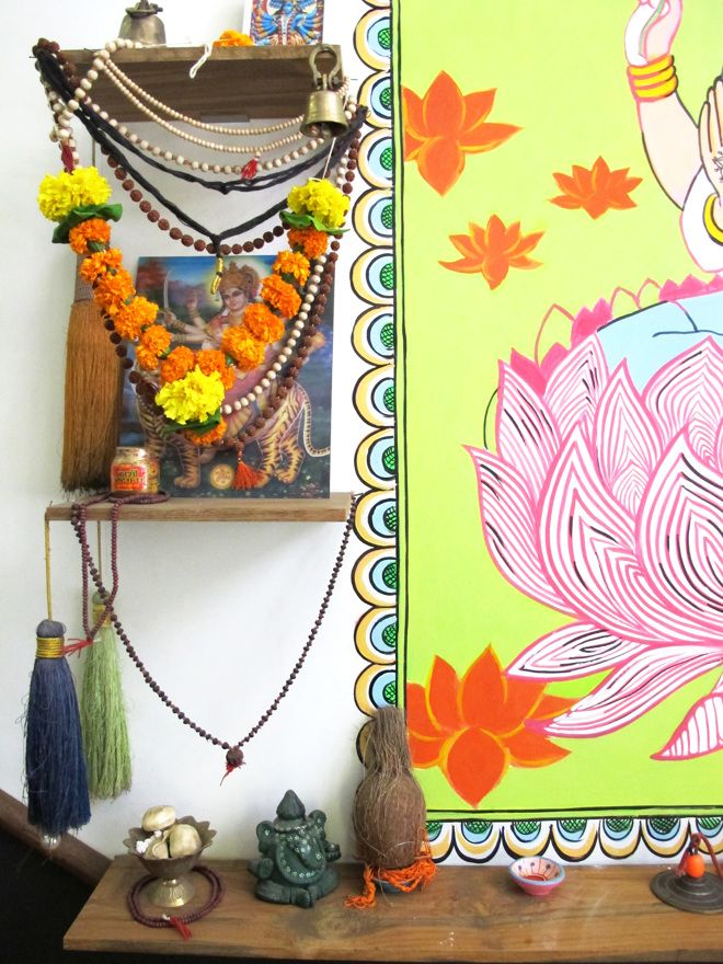 17 best images about little altars everywhere on pinterest for Mala india magasin waterloo