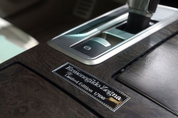 Two precious plates obtained from aluminium ingot announce and promote the collaboration between the two companies. One plate is located on the outside of the pillar while the other, personalised with a limited series number, is applied to the central console. #IAA2013 #FrankfurtMotorShow