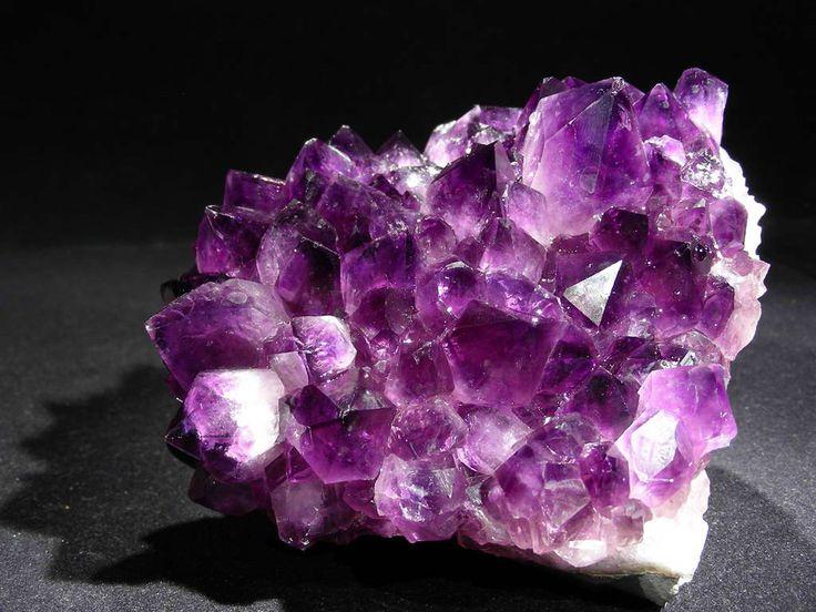 quelles sont les proprits de lamthyste et comment utiliser cette pierre semi prcieuse - 45 Ans De Mariage Pierre Precieuse