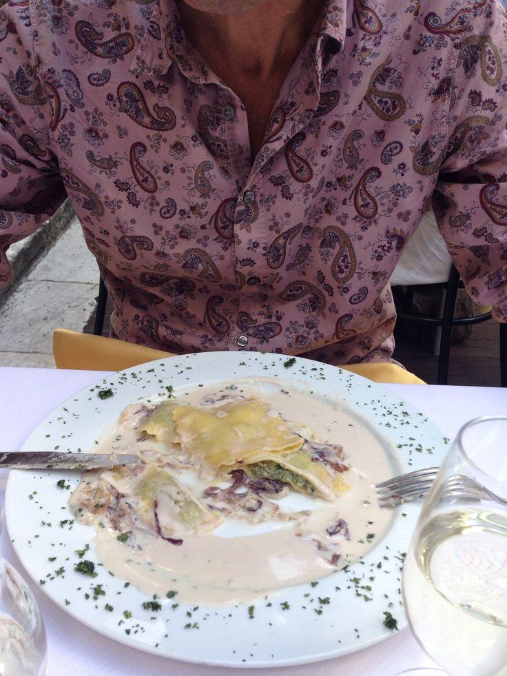 Spinazie ravioli met gorgonzolasaus