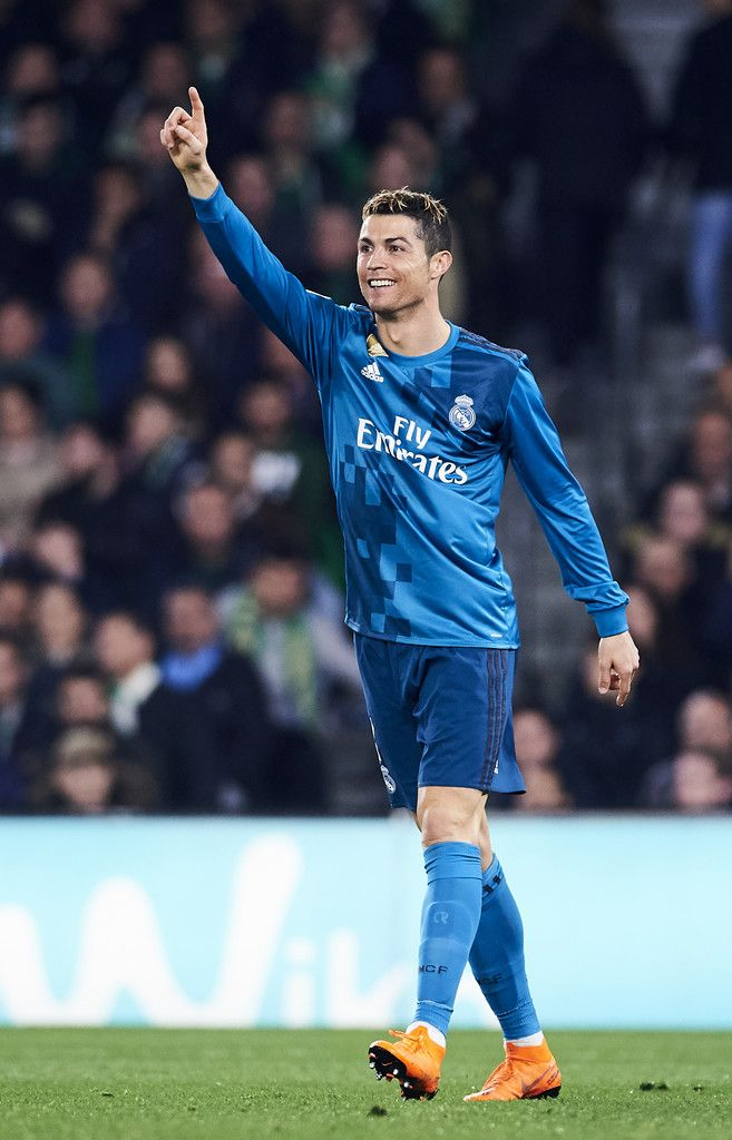 Cristiano Ronaldo Photos - Cristiano Ronaldo of Real Madrid reacts during the La Liga match between Real Betis and Real Madrid at Benito Villamrin stadium on February 18, 2018 in Seville, Spain. - Real Betis v Real Madrid - La Liga