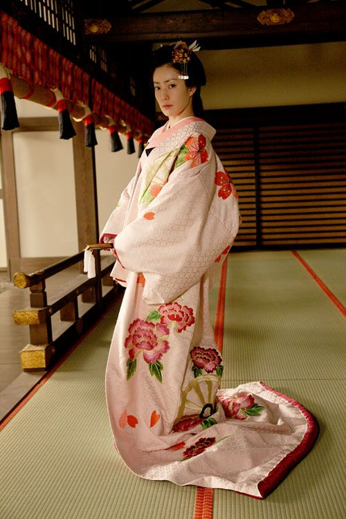 大奥 ~永遠~ [右衛門佐・綱吉篇]|uchikake, kimono, Edo, Genroku