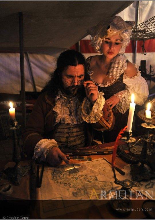 ©#armutan ©#fredericcoune #pirates #costumes #cartes #perruque #chandelles #reconstitution #histoire #renaissance