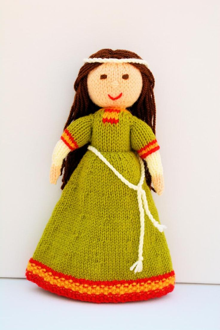 Elvina - Medieval Doll Knitting Pattern | Craftsy