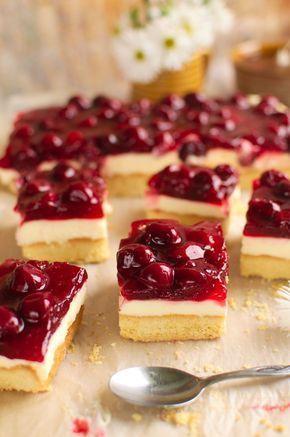 Kruche maślane ciasto z mascarpone i wiśniami