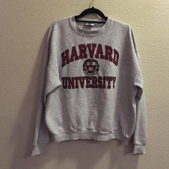 Vintage Harvard University Men's xl but fits like a women medium/large oversized. Crew neck. Amazing condition. Make me an offer!! Harvard Tops