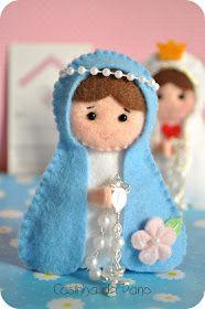 Mãezinha do céu e Nossa Senhora de Fátima, pedido da Lívia que queria que elas carregassem um tercinho. Foram 15 de cada.                 ...