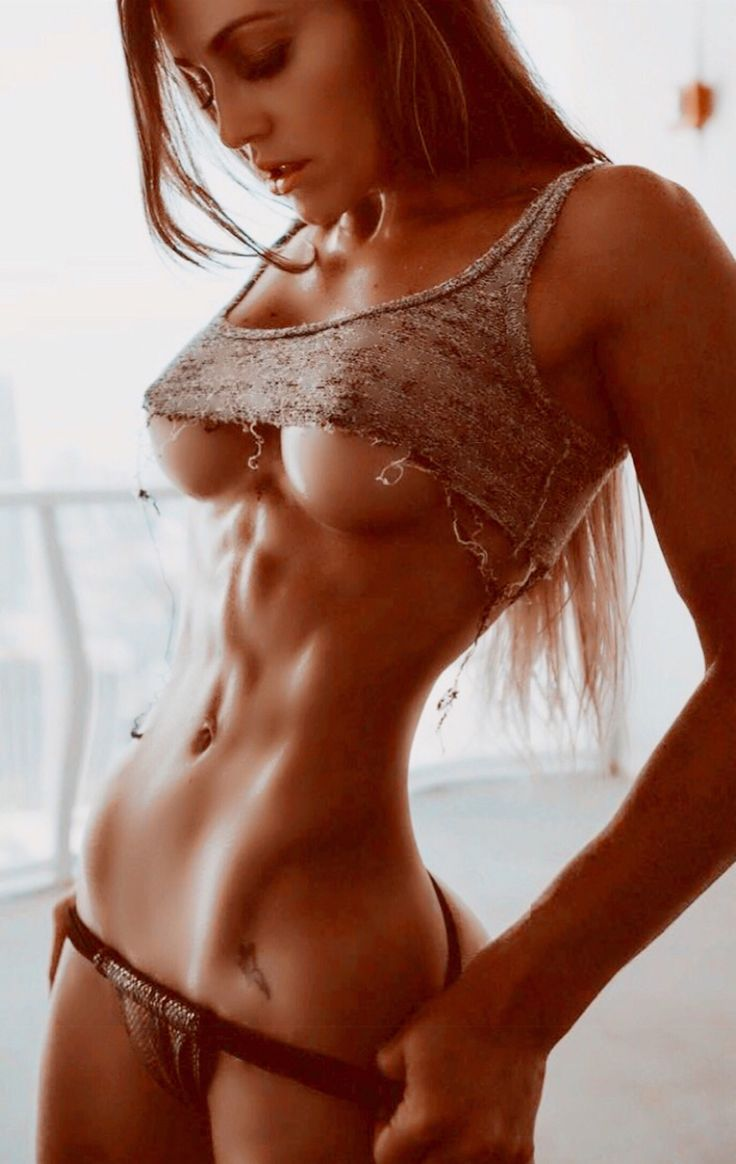 Nude fitnes model women