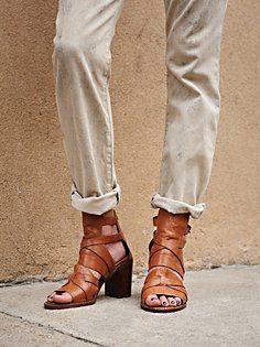 Asher Heel in heels-wedges