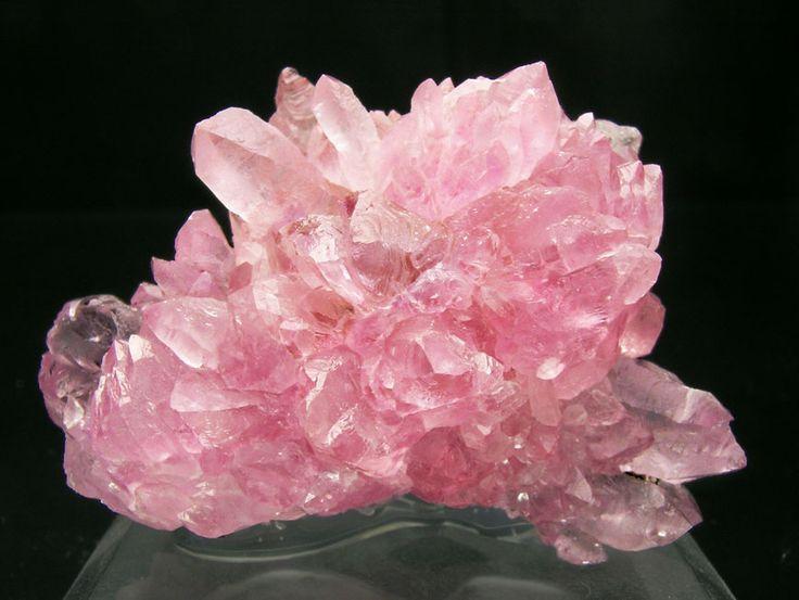 El cuarzo de color rosado sirve para atraer al amor