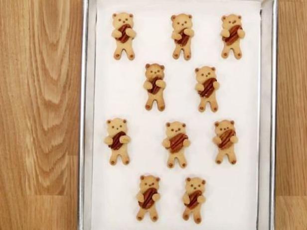 Brown Sugar Pecan Bear Hug Cookies — So cute!