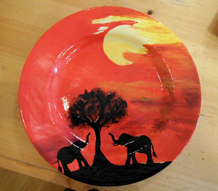 safari sunset plate painted by customer at Color Me Mine Saucon Valley PA