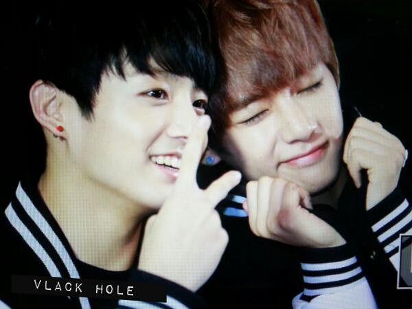 V and Jungkook R so weird