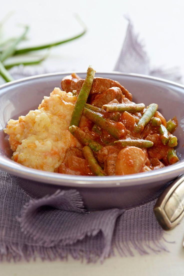 Gullasch med kogte grønne bønner og kartoffel/grøntsagsmos Aftensmad med masser af vitaminer! Gullash gryderet med grønne bønner og en grønsagsmos.  SlankeDoktor.dk