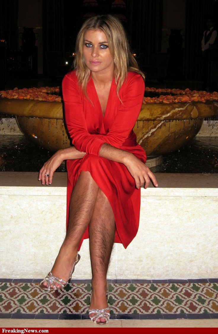 Carmen Electra with hairy legs!! Yikes! | Just for Me ...
