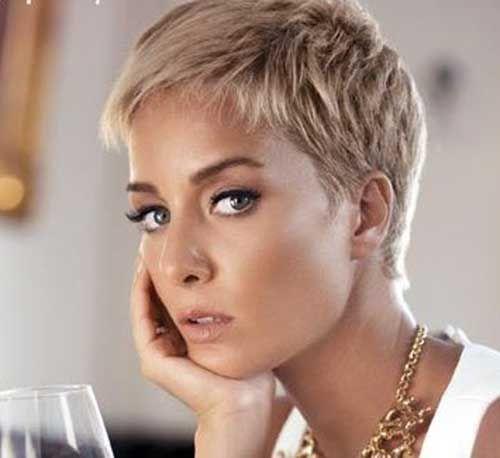 28 Besten Pixie Haarschnitte für Stilvolle Frauen | Pixie ...