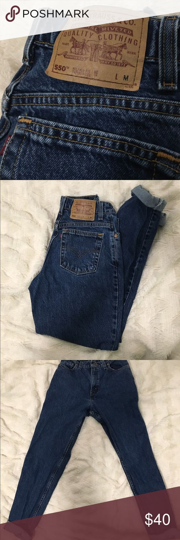 Levi mom jeans Levi 550 mom jeans. Relaxed fit, tapered leg. Levi's Jeans