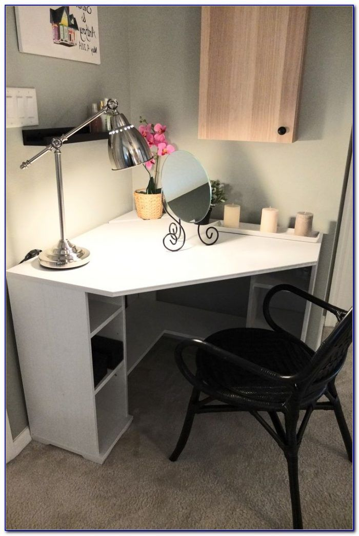 Find Ideas And Inspiration For Built In Corner Desk To Add To Your Own Home Smallofficecornerdeskideas Small Corner Desk Diy Corner Desk Bedroom Desk